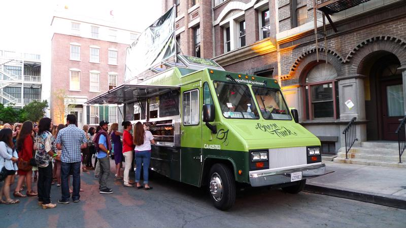 Food trucks needs to prepare food quickly for customers on the go.