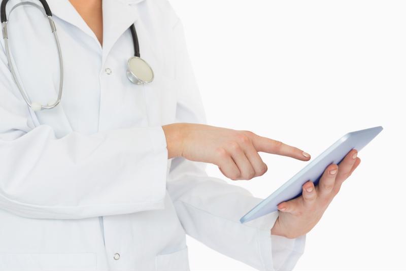 doctor using telemedicine app