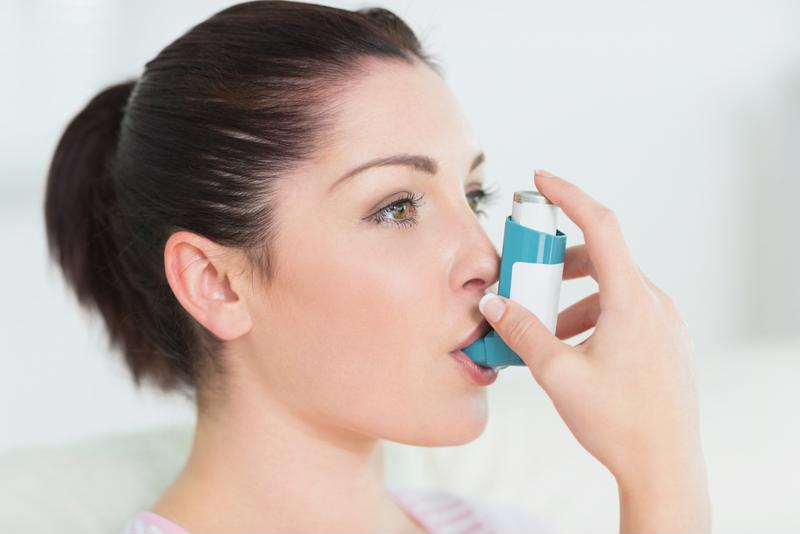 Many people who experience symptoms of asthma use an inhaler.