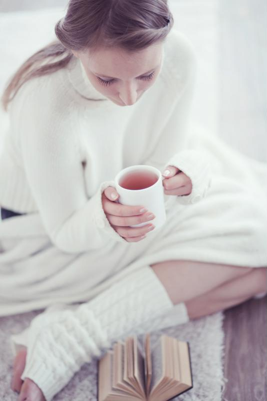 Sipping hot tea is one of the fastest ways to warm up your body.