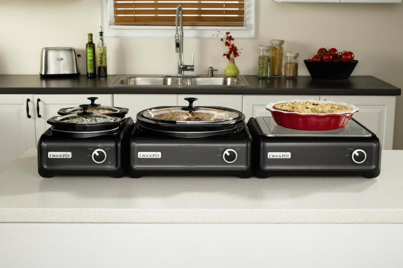 The 3-piece set is perfect for catering parties of any size.