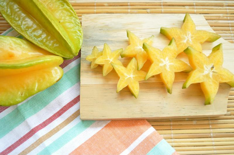 how to cut and serve starfruit