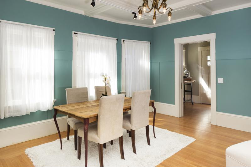 Tips for coordinating carpets with hardwood floors