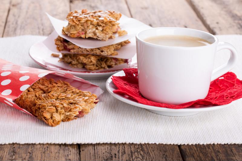 Quinoa energy bars are the perfect pairing with you morning cup of coffee.