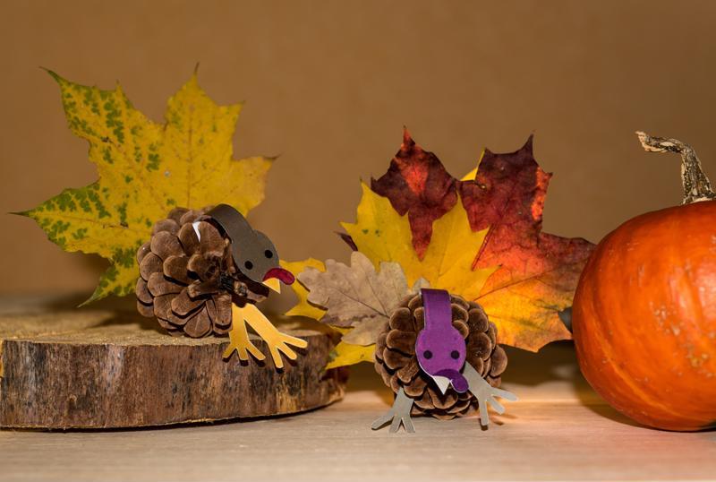 turkeys, crafts, pinecones, thanksgiving