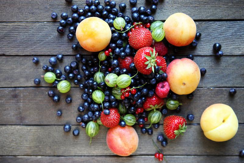 Preserve fresh fruit and vegetables all year long by harvesting your garden at peak times.