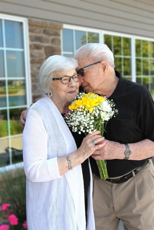 seniors, assisted living community, senior community, Edgewood Living