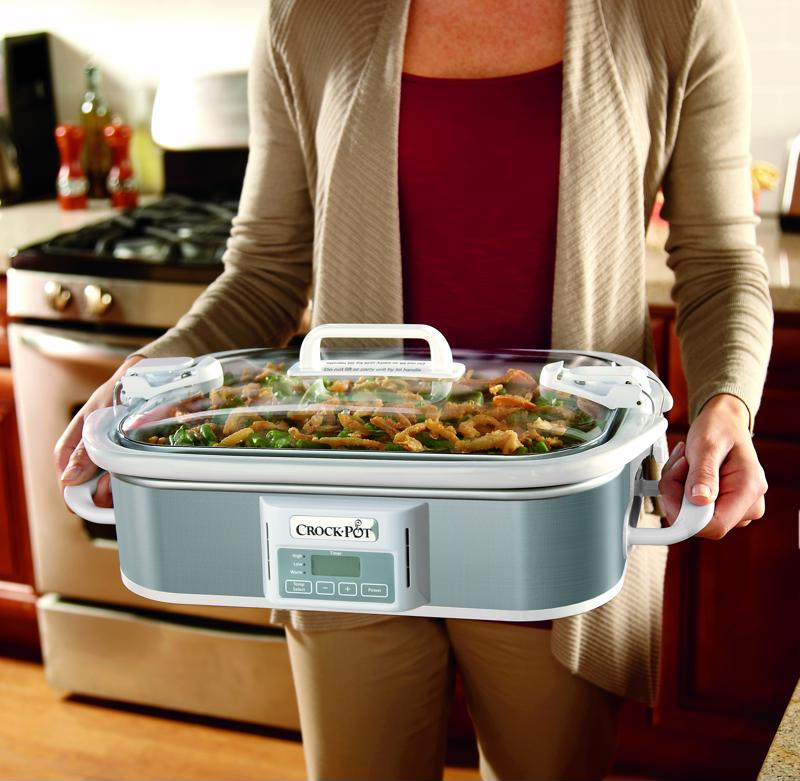 Easy to hold and easy to carry, this Crock-Pot® 3.5-Quart Casserole Crock Slow Cooker is extremely convenient.