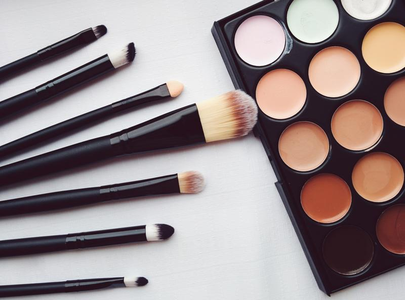 Many makeup products are produced with man-made chemicals and ingredients, which can take a toll on your health over time.