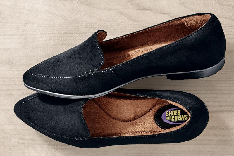 Concierge members need shoes that are safe and look professional.