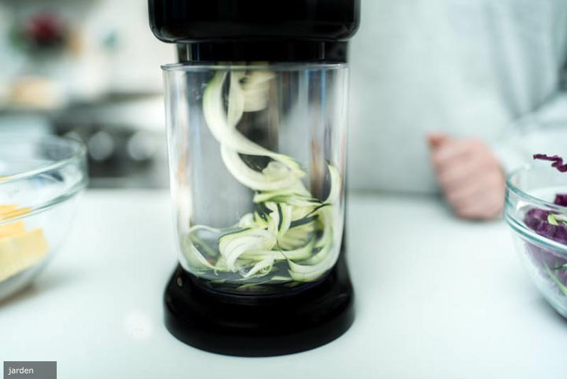Spiralize your noodles fast and efficiently.