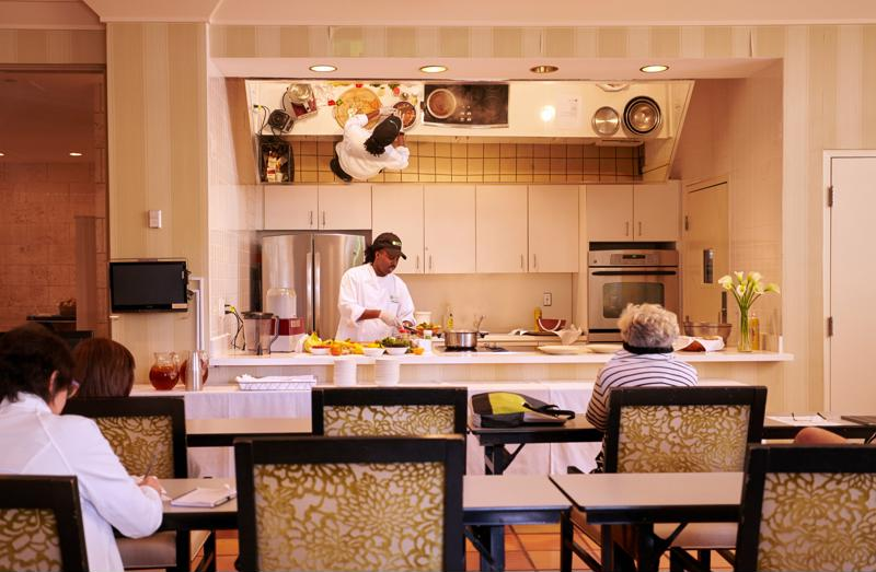 Learn tips and tricks from the best, at Pritikin's cooking classes.