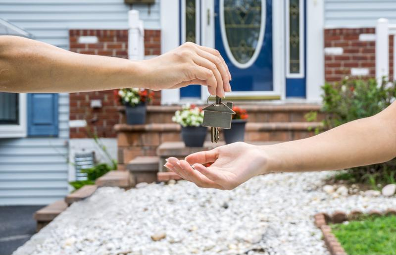 Shoppers sought out more newly built homes in August.