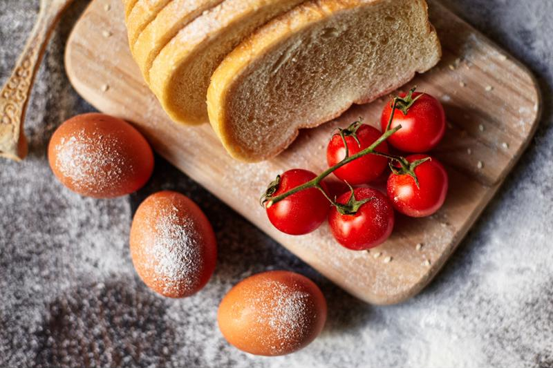 cherry tomato and ham bread and butter bake
