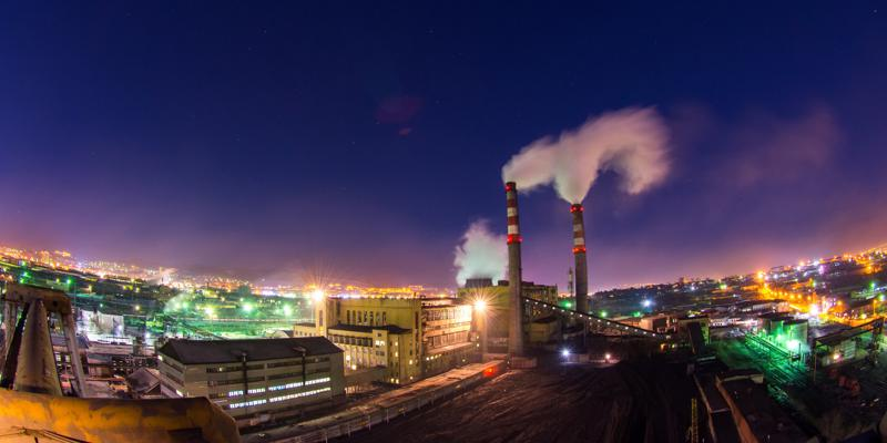 Pollution is one of the risk factors for lung cancer in non-smokers.