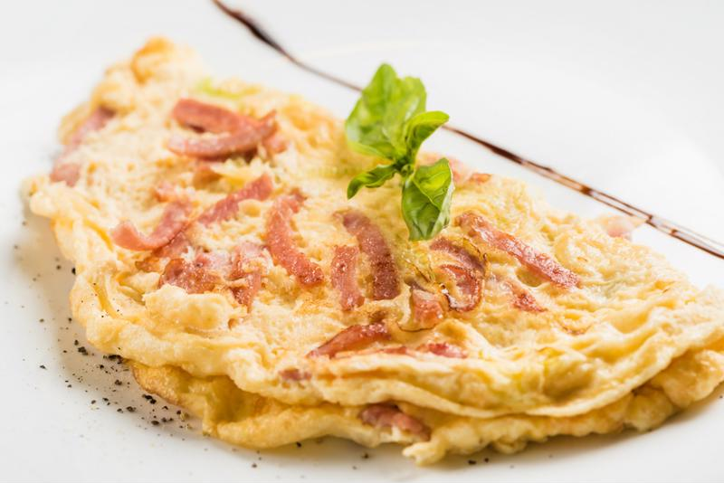 Hungry for a fluffy and delicious omelette?
