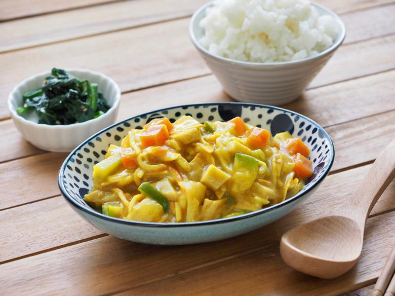 Yellow Thai curry with mixed vegetables in a bowl