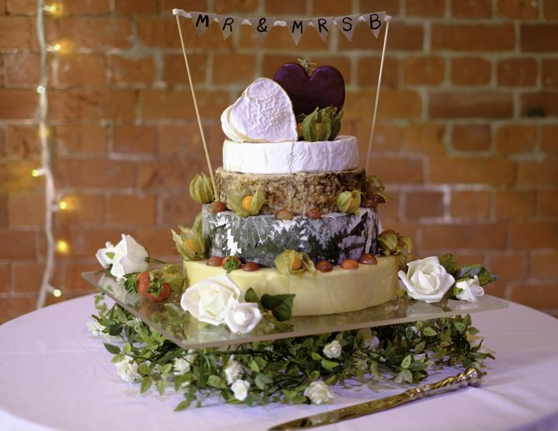 The cheesiest of cheesecakes are making wedding cameos in 2019.