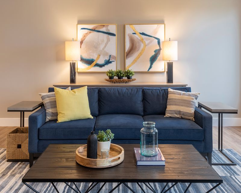 The focal point should stand out from the rest of the room.